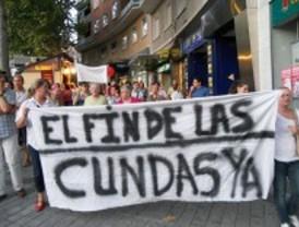 Los vecinos de Embajadores recogen firmas para pedir al PP que actúe contra las cundas