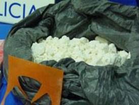 Dos detenidos con casi 12 kilos de cocaína