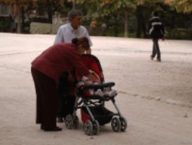 IU pide apoyo a las familias para evitar los abandonos de bebés