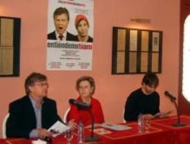 El Teatro Salón Cervantes inaugura la temporada con 'Entiéndeme tú a mí'