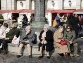 Los mayores podrán inscribirse a partir del miércoles en los talleres de Tetuán