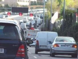 Hora punta con tráfico denso en la capital