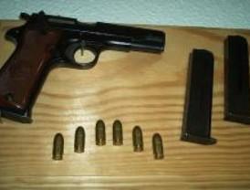 Condenado a 5 años un hombre que guardaba armas y explosivos en su casa