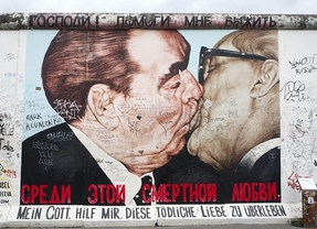 25 aniversario de la caída del Muro en Madrid