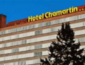 El viento derriba la cubierta del Hotel Chamartín