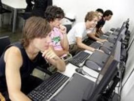 Los colegios de Pozuelo acogen unas conferencias sobre Internet y el móvil