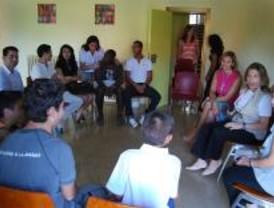 Jóvenes solidarios recompensados con becas