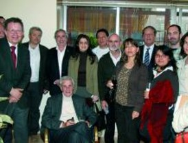Se firman las escrituras de la Fundación Casa de los Pueblos de Alcorcón