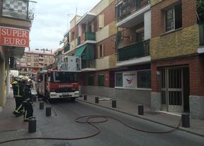Cuatro edificios desalojados por una explosión de gas en Arganda