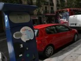 Los parquímetros cobran un millón de euros de más al año, según AEA