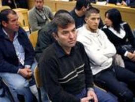 El tribunal culpa a la célula islamista y desvincula a ETA