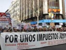Un millar de salmantinos protestan en Génova por la subida de impuestos