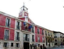 El alcalde de Aranjuez recorta concejalías para combatir la crisis económica