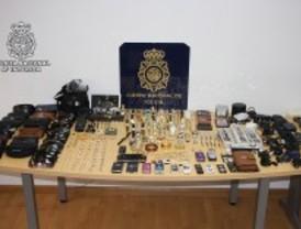 Cuatro detenidos por robar a sus vecinos tras sustraer las llaves de los pisos a la portera
