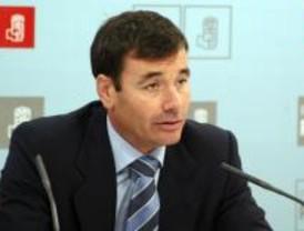 Gómez dice que si gobierna no habrá comisiones con mayoría socialista