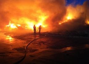 1.800 toneladas de material se queman en una nave de Arganda