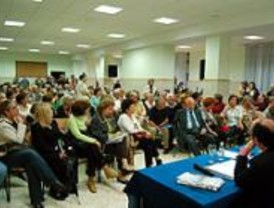 Masiva afluencia de público en la primera asamblea pública del distrito