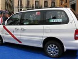 Los taxistas anuncian paros ante la iniciativa municipal de que trabajen sus días libres