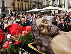 La lluvia respeta la procesión de La Soledad