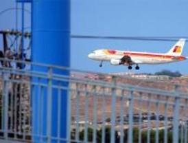 El TSJM obliga a Barajas a reducir en un 50% sus vuelos