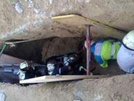 Herido leve un obrero sepultado en una zanja en Navalcarnero