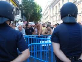 La Policía vuelve a impedir que los 'indignados' entren a Sol