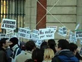 Cientos de personas protestan en Sol para denunciar la precariedad de la vivienda
