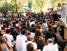 Los indignados se unen a la protesta mundial para denunciar