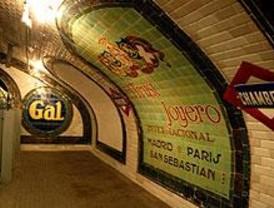 Más de 1.600 personas visitan los primeros días la estación fantasma de Chamberí