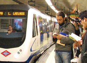 Un trabajador de Metro encuentra un maletín con 1.800 euros