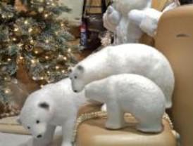 Los comerciantes visten su escaparate de Navidad