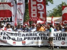 Trabajadores del sector ferroviario se manifiestan en defensa del ferrocarril público