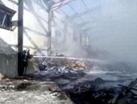 Incendiada una nave industrial en San Martín de la Vega