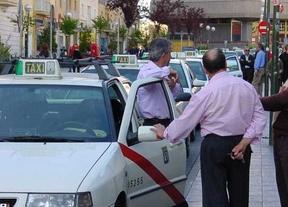 Los taxistas se movilizarán si el Ayuntamiento no reconsidera la tarifa fija