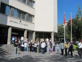 Manos Limpias denuncia a la Delegación de Gobierno por no disolver el campamento de Sol