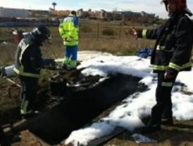 Dos heridos al arder la depuradora de una piscina abandonada que usaban como infravivienda