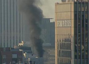 Un incendio en el Ministerio de Defensa provoca una densa columna de humo
