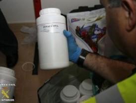 Desmantelados en Madrid dos laboratorios en los que se cortaba cocaína para venderla en Granada