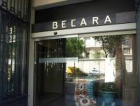 El Ayuntamiento precinta la tienda Becara por orden del juez