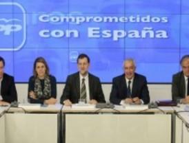 Los 'barones' del PP firman una declaración de apoyo a las reformas de Rajoy