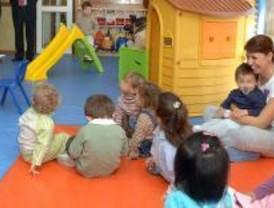 Continúa el encierro de padres en Móstoles contra la eliminación de la educación de 3 a 6 años