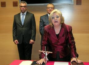 Carmen Balfagón toma posesión como secretaria técnica de Asuntos Sociales