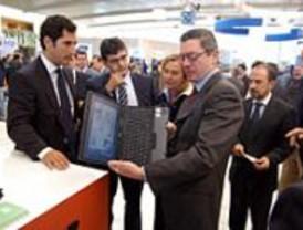 Gallardón firma un convenio con Telefónica Móviles para implantar las nuevas tecnologías en Madrid