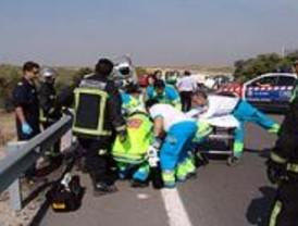 Accidente en la M-404 con un herido muy grave y dos leves
