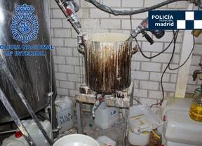 Intervenidos más de 2.000 litros de alcohol en una destilería ilegal de licores
