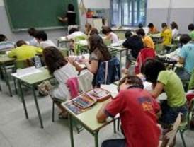 La educación concertada se levanta contra la Consejería y acusa a Aguirre de utilizarles