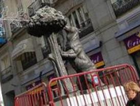La Real Academia Heráldica no puede aclarar el sexo del oso de Madrid