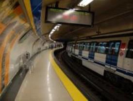 Metro coloca 242 papeleras para la recogida selectiva en la línea 8