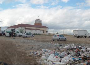 El Ayuntamiento regularizará una calle sin servicios junto a la Cañada