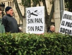 Los sindicatos exigen a Rajoy que convoque un referéndum sobre los recortes